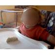 Mélanger la pâte à pain