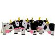 Vache de décoration en papier mâché
