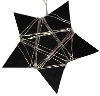 Etoile de Noël noire et argent en carton
