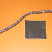 fil métallique chenillé et carré de papier argenté