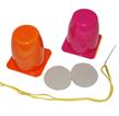 materiel : un pot une balle de ping pong un fil et une aiguille