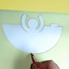 tracer le contour du communiant sur le papier calque