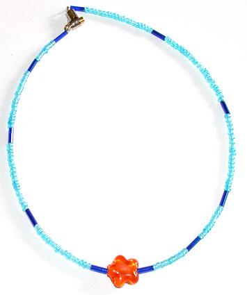 Collier fleur et perles de rocaille rondes et tube
