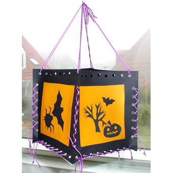 Lanterne d'Halloween en carton