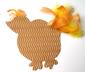 Coller les plumes sur la poule