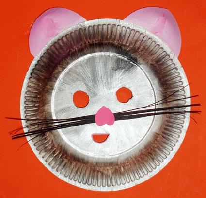 masque de petit chat avec une assiette masque t te. Black Bedroom Furniture Sets. Home Design Ideas