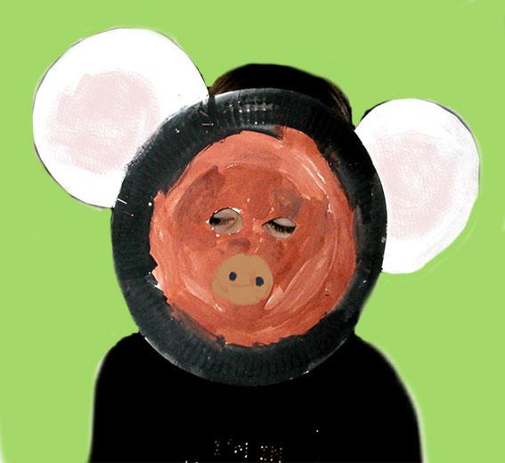 Masque d'ours à faire avec 3 assiettes en carton