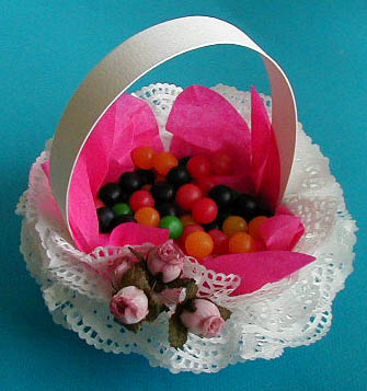 Panier bonbons rose en dentelle