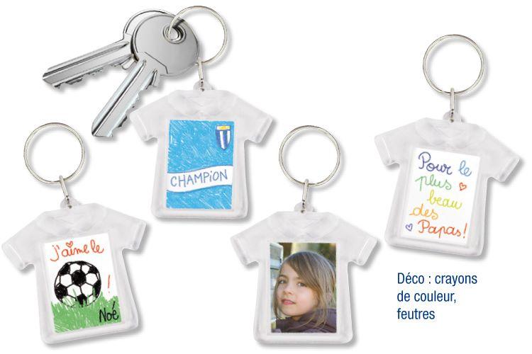 Le porte-clés T-shit peut aussi être personnalisé avec une photo ou avec un  dessin d un côté et une photo de l autre. b0c74e4208d