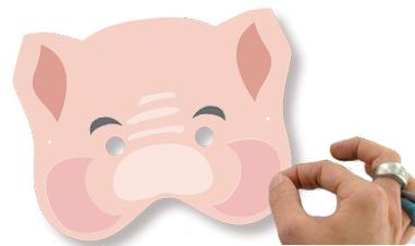 Coller les gommettes sur le masque de cochon