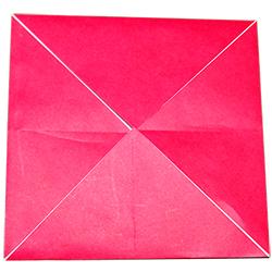 Pliage origami en enveloppe carrée