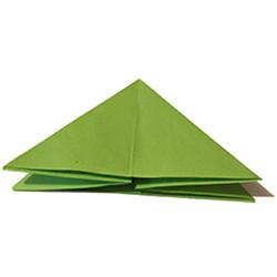 Pliage origami en pyramide
