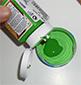 Verser la peinture verte