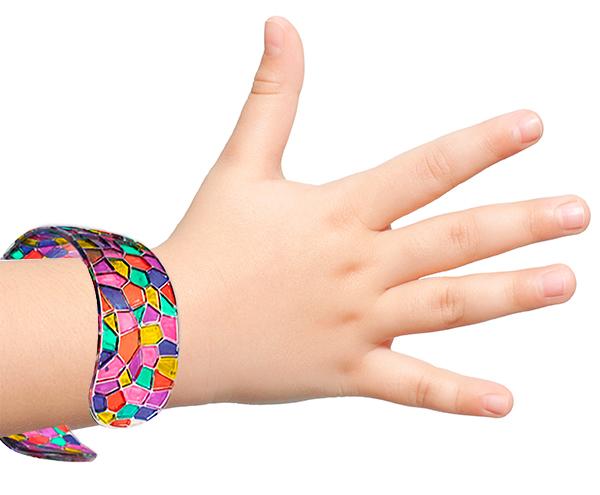 Bracelet en plastique mosaïque