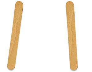 Poser 2 bâtons de bois