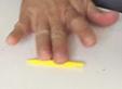 Rouler un boudin jaune