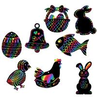 Gratter pour décorer les motifs de Pâques