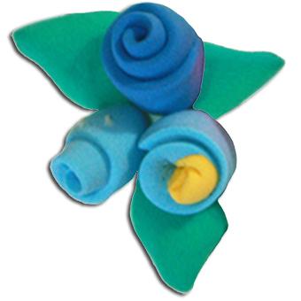 Fleurs roulées, modelage de fleurs