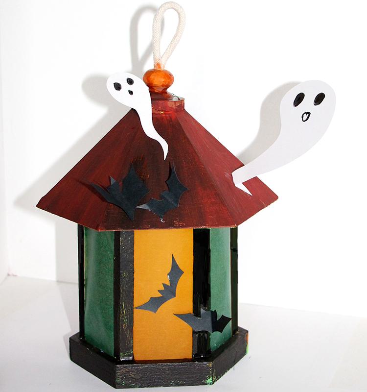 La lanterne d'halloween et ses fantômes