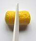Couper les PlayMais jaunes en deux