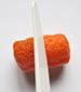 Couper les PlayMais oranges en deux