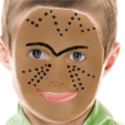 Dessiner 3 lignes de chaque côté du nez