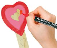 Colorier ou peindre le coeur du marque-page