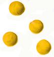 4 petites boules jaunes