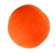 Former le modelage d'une boule orange