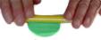 Aplatir la boule de pâte verte