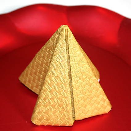 Pliage serviette pyramide