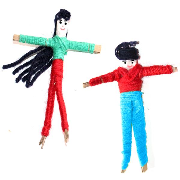 Les poupées à soucis, poupées en carton