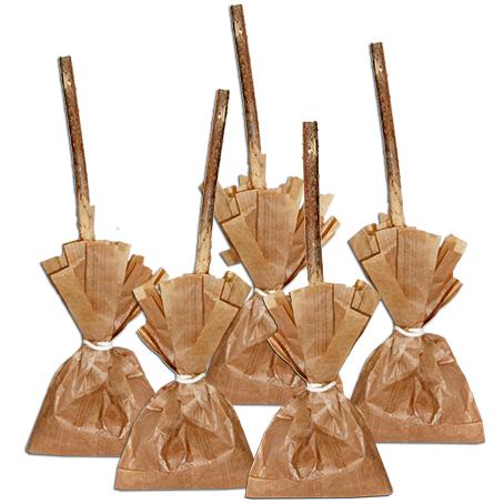 Présenter les balais de sorcières sacs à bonbons
