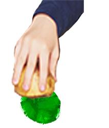 Peindre les bogues de marron à la pomme de terre