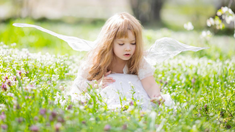 Découvrez sans plus attendre toutes nos idées d'activités sur le thème des fées. Vous trouverez des bricolages avec des baguettes magiques, des coloriages et des infos sur ce thème que les petites filles apprécient particulièrement.
