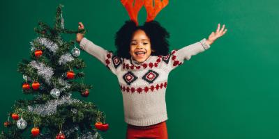 Vous cherchez une décoration de Noël ? Retrouvez sans plus attendre toutes nos idées d'activités déco à faire avec les enfants pour votre maison, votre sapin de Noël ou votre table de fêtes.Trouver une deco noel pas cher et facile à fabriquer avec les enf