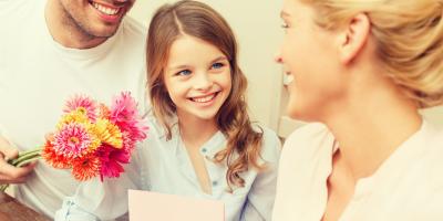Citation maman : trouvez une jolie citation maman à inscrire sur votre carte de fête des mères ou à réciter à son anniversaire. Une bonne idée pour souhaiter une bonne fête maman ou un bon anniversaire.  Ces citations sont gratuites et peuvent être recopi