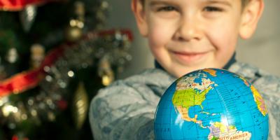 Joyeux Noël se dit dans toutes les langues du monde ! Retrouvez nos conseils pour souhaiter un Joyeux Noël à tout le monde et des infos sur la célèbre fête de Noël.