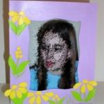 cadre photo fille décoré de fleurs