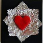 Carte décorée d'un coeur et de papier métalisé