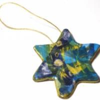 Décoration étoile en papier collé