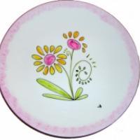 Assiette de présentation décorée de fleurs