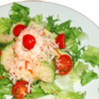 Salade crevette, surimi et avocat