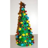 Mini Sapin Et Boules De Papier Crépon Une Décoration De Noël