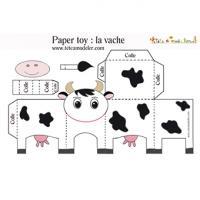 Les modèles de paper toy à imprimer. Il suffit d'imprimer le modèle ou gabarit directement sur une feuille de papier épais, de le plier et  de le coller pour obtenir un petit jouet de papier. Tous les modèles de paper toy sont gratuits