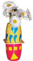 Vase petits suisses décoré de gommettes