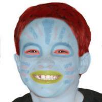 Comment maquiller son enfant en extraterrestre ? Transformer les enfants en extraterrestre avec un simple maquillage. Un maquillage pour compléter un déguisement ou pour amuser les enfants pendant une fête d'enfants ou un anniversaire.
