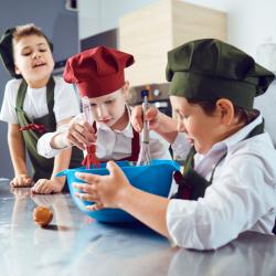 Sur Tête à modeler, des activités autour de l'alimentation et l'équilibre alimentaire. Fiches d'activités destinées à aider l'enfant à mieux comprendre et gérer son alimentation. Des activités autour de l'alimentation et l'équilibre alimentaire   pour déc