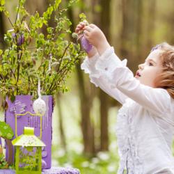 Vous voulez fabriquer un arbre de Pâques ? Voici toutes nos idées d'activités pour réaliser un arbre de Pâques avec les enfants
