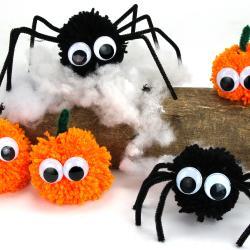 Pour Halloween la décoration est primordiale, et c'est pour cela qu'aujourd'hui nous vous présentons un tutoriel facile qui vous permettra de fabriquer avec vos enfants des araignées et des citrouilles avec des pompons en laine.    No